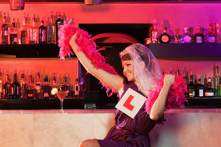 boas: Young woman on hen night LANG_EVOIMAGES