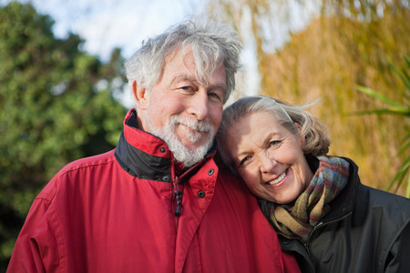 60 65 years: Senior couple outdoors LANG_EVOIMAGES