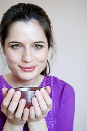 tea breaks: Women drinking herbal tea LANG_EVOIMAGES