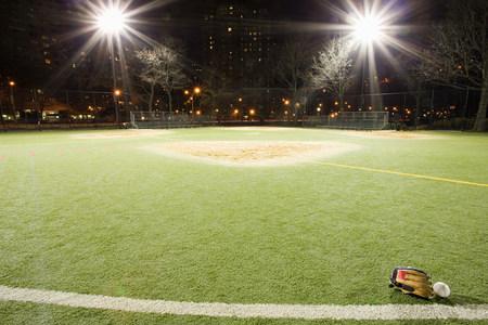 detoxing: Baseball pitch LANG_EVOIMAGES