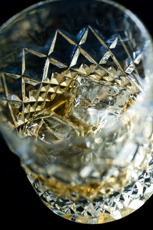 Whiskey on the rocks in a tumbler LANG_EVOIMAGES