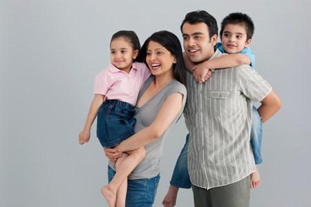 6 9 years: Family enjoying