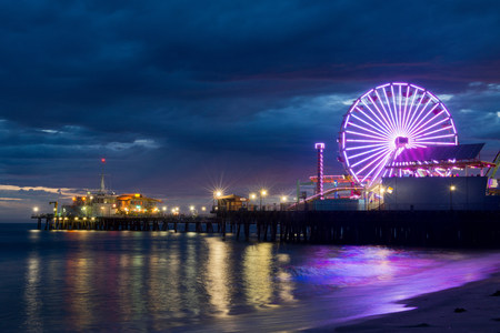 trashy: Santa monica pier at night,california,usa LANG_EVOIMAGES