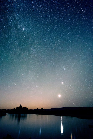 way out: Starry sky at night,mono lake,california,usa LANG_EVOIMAGES
