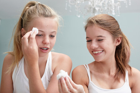 revulsion: Teenage girls cleansing