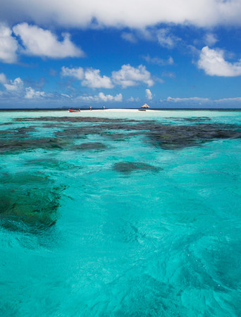seascapes: Clouds over sandbar and tropical water LANG_EVOIMAGES