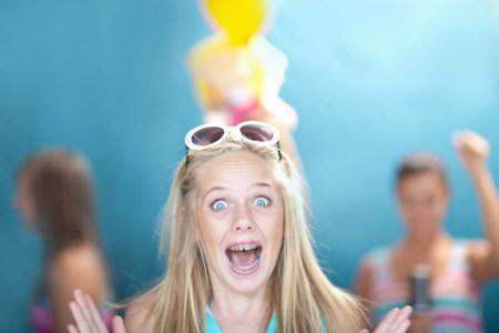 tweens: Teenage girl gasping