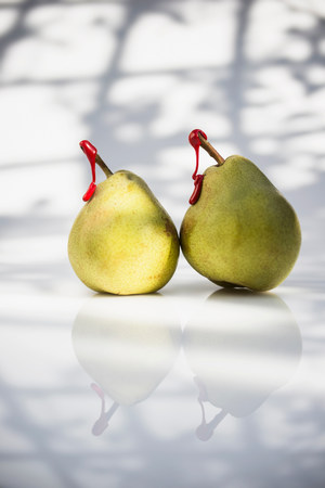 nourishing: Pears with red tags on stems LANG_EVOIMAGES