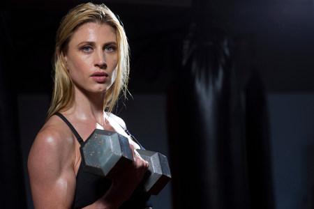 levantar peso: Mujer, levantamiento, pesos, gimnasio