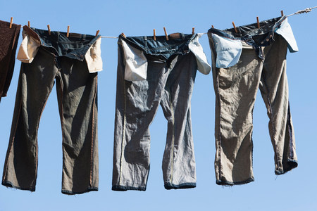 repetitive: Trousers on clothes line LANG_EVOIMAGES