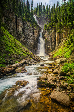 Blurred view of waterfall in canyon LANG_EVOIMAGES