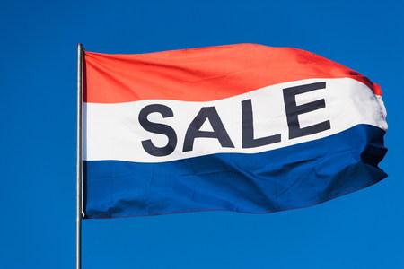 Flag saying Sale