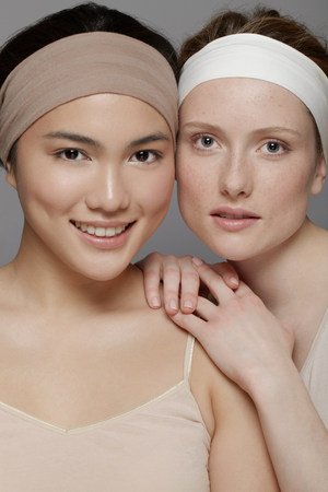 alice band: Two young women wearing headbands