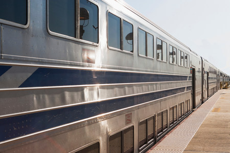 shiny car: Train at platform in New York City,USA LANG_EVOIMAGES