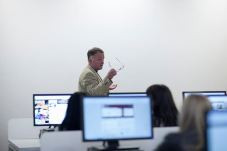 lecturing hall: Students using computers in lecture