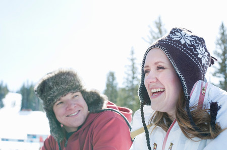 Young couple wearing hats LANG_EVOIMAGES