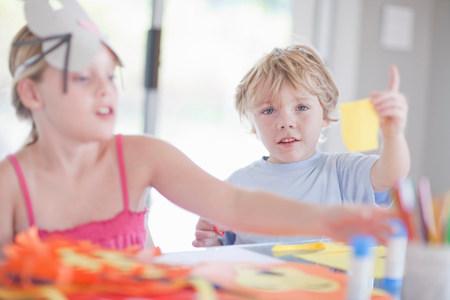 Childrens mask making party LANG_EVOIMAGES