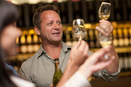 dimly: Wine tasting at wine growers shop