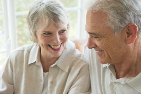 conservatories: Senior couple smiling together,close up LANG_EVOIMAGES