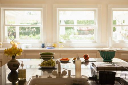 sinks: Kitchen interior