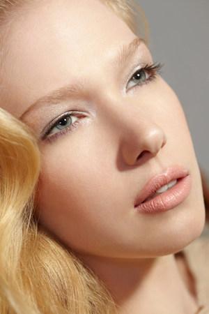 ponderous: Portrait of blonde woman looking away