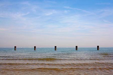 groynes: Groynes in the sea,Chicago