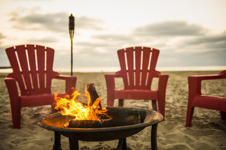 Campfire on Mission Beach,San Diego,California,USA LANG_EVOIMAGES