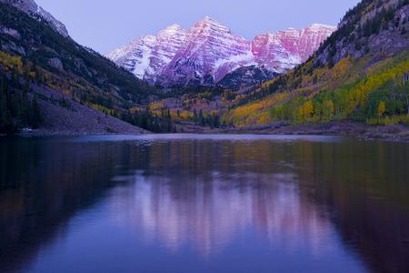 purples: Maroon Bells,Maroon Lake,Aspen,Colorado,United States of America LANG_EVOIMAGES