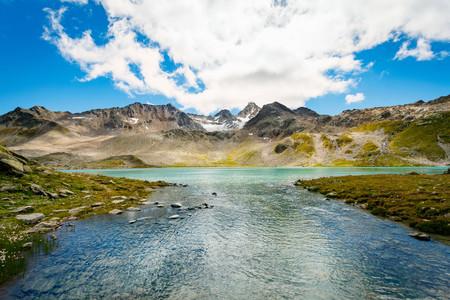 crater lake: Mountain range, Davos, Graubünden, Switzerland