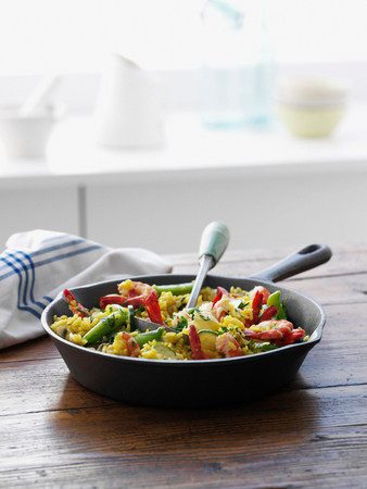 sultry: Pan of rice with vegetables