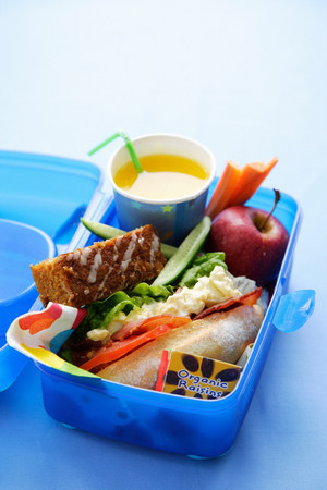 Close up of healthy food in lunch box LANG_EVOIMAGES