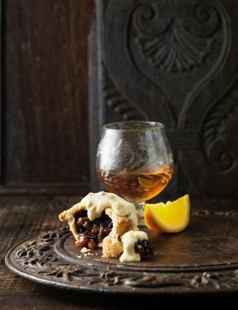 snifter: Mince pie with cream and brandy LANG_EVOIMAGES
