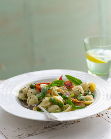 water quality: Bowl of orecchiette with peas and sage garnish