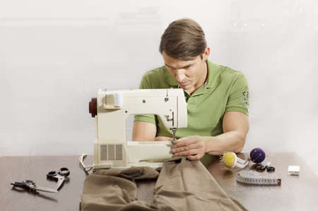 tailor at work LANG_EVOIMAGES