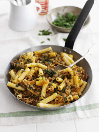 meaty: Pan of pasta with meat and herbs LANG_EVOIMAGES