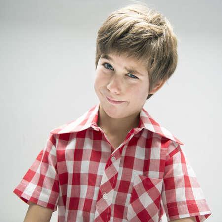 desconfianza: Niño, confundido, cara LANG_EVOIMAGES