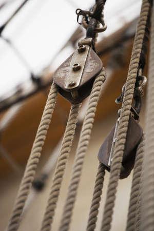 polea: Cerca de aparejo en la nave