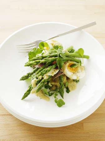 berro: Placa de ensalada de huevo y espárragos LANG_EVOIMAGES