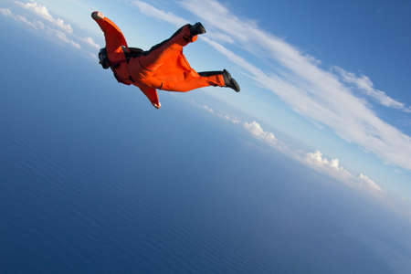 trouble free: Wingsuit flying over north shore of Oahu,Hawaii