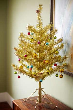 housing lot: Gold christmas tree