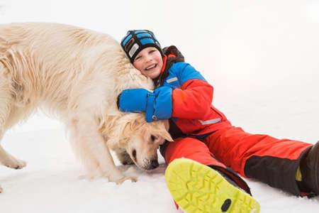 adolescencia: Niño, acariciando, perro LANG_EVOIMAGES