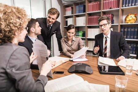 Lawyers in meeting LANG_EVOIMAGES
