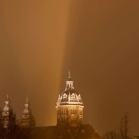 traditionally dutch: Sint-Nicolaasbasiliek (Basilica of St Nicholas),Amsterdam,Netherlands LANG_EVOIMAGES