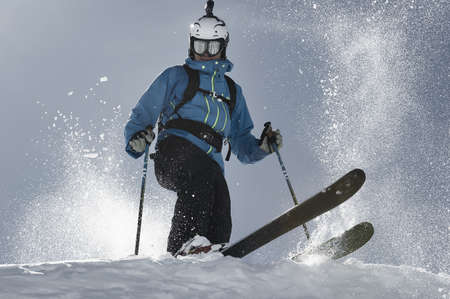 30 years old man: Man skiing