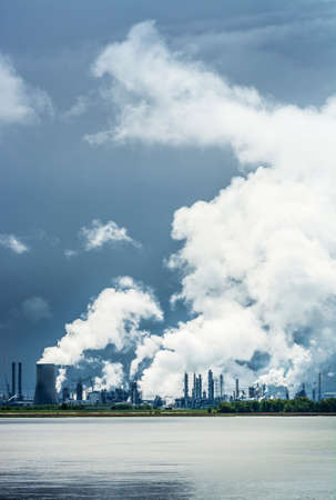 environmental issues: Smoke from power plant smokestacks in Antwerp,Belgium LANG_EVOIMAGES