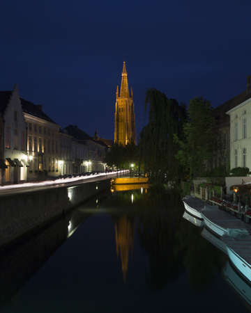 Church of Our Lady, Canals of Bruges, Belgium LANG_EVOIMAGES