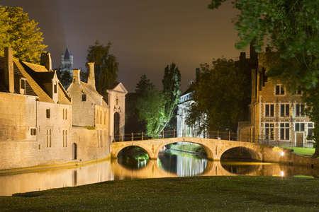 Begijnhof, Bruges, Belgium LANG_EVOIMAGES