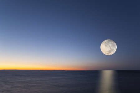 Full moon, Tuscany, Italy LANG_EVOIMAGES