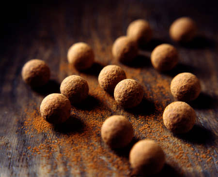 unfit: Chocolate truffles dusted with cocoa powder LANG_EVOIMAGES