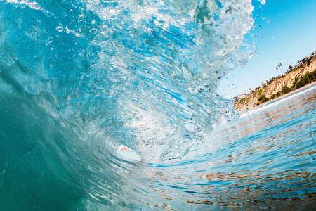Curving ocean wave, Encinitas, California, USA LANG_EVOIMAGES